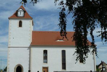 Außenansicht der Kirche Tellschütz