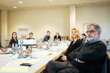 Susanna Karawanskij im Gespräch mit Vertreter:innen der WBG und der IBA Thüringen in Nordhausen