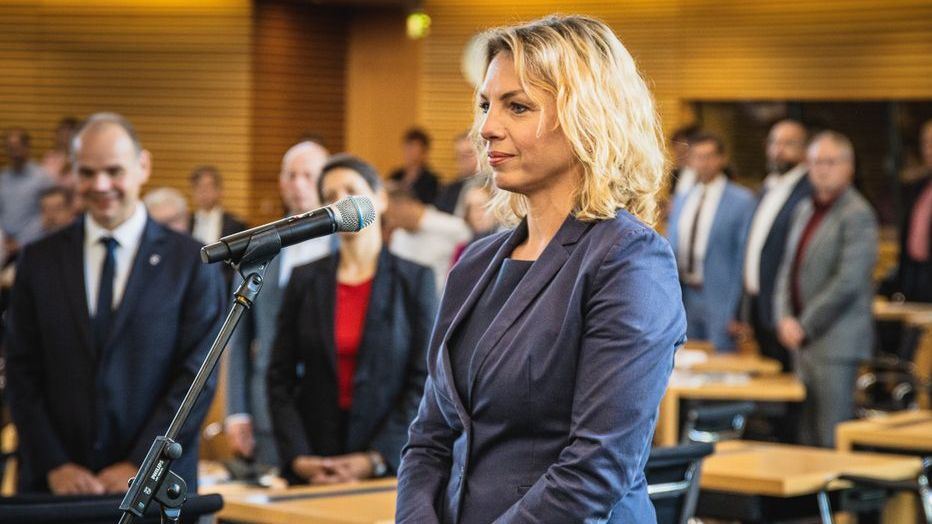 Susanna Karawanskij bei ihrer Vereidigung im Thüringer Landtag am 9. September 2021
