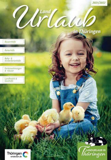 zu sehen ist das Cover der Zeitschrift Landurlaub für die Jahre 2021 bis 2022 mit einem lächelnden kleinen Mädchen darauf.